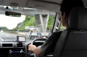 高速道路を走る部員
